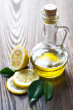 Aceite y limón de oliva imagen de archivo