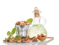 Aceite y nueces de nueces Foto de archivo libre de regalías