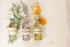 Aceites del masaje del Aromatherapy Fotografía de archivo libre de regalías