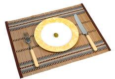 Aceituna en una placa Imagen de archivo libre de regalías