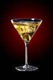 Aceituna y cóctel de martini Fotos de archivo