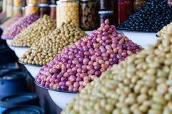 Aceitunas coloridas frescas Fotografía de archivo libre de regalías