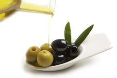 Aceitunas y aceite de oliva Imagen de archivo libre de regalías