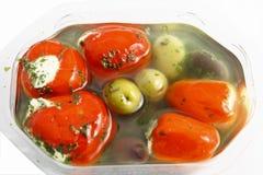 Aceitunas y paprika con queso Imágenes de archivo libres de regalías