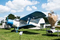 Acepille con el propulsor en museo de la aviación en Kraków Imagen de archivo libre de regalías