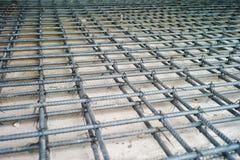 Acería para el refuerzo del piso concreto Fotografía de archivo