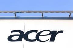 Acer-Zeichen auf einer Wand Stockbild