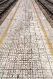 Acera de la estación de tren Foto de archivo libre de regalías