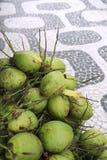 Acera de Rio de Janeiro Brazil Coconuts Ipanema Fotografía de archivo