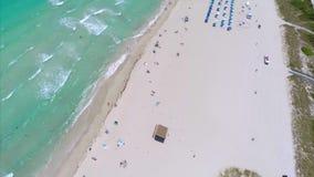 Acercamento aéreo de Miami Beach vídeos de arquivo