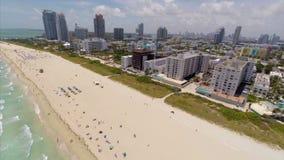 Acercamento aéreo de Miami Beach para trás filme