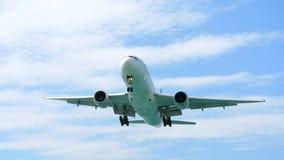 Acercamiento de fuselaje ancho de los aviones almacen de video