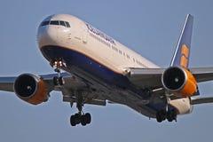 Acercamiento final de TF-ISN Icelandair Boeing 767-300ER a Toronto fotos de archivo libres de regalías