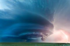 Acercamiento severo de la tempestad de truenos Foto de archivo libre de regalías