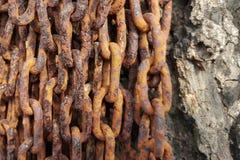 Acero sucio de la vieja textura oxidada de las cadenas del primer Foto de archivo
