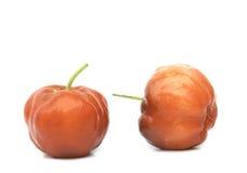 Acerolafrucht lokalisiert Lizenzfreie Stockbilder