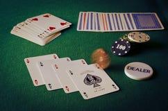 aces покер 2 карточек предпосылки черный Стоковое фото RF