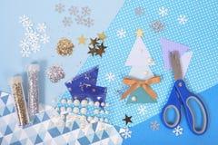 Acessórios brilhantes e brilhantes para o ofício e o scrapbookin do Natal Fotografia de Stock Royalty Free
