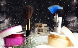 Acessórios cosméticos da beleza do ` s das mulheres, perfume, creme, escovas Fotos de Stock Royalty Free
