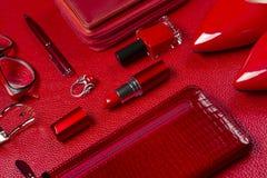 Acessórios da mulher no vermelho Fotos de Stock Royalty Free