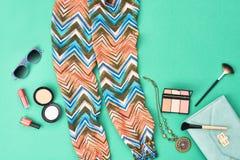 Acessórios da roupa da menina da forma ajustados Estilo luxuoso Foto de Stock