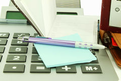 Acessórios de desktop do escritório Imagens de Stock