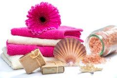 Acessórios do banho dos termas com shell fotos de stock