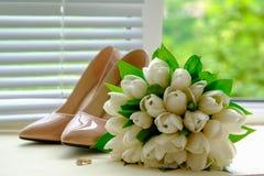 Acessórios do casamento do ` s da noiva: foto de stock