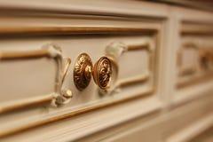 Acessórios do casamento Vidros nupciais do ramalhete e do champanhe imagens de stock royalty free