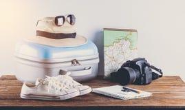 Acessórios do curso para a viagem do curso passports fotografia de stock royalty free