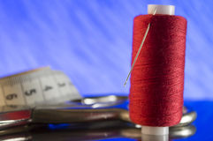 Acessórios e ferramentas da costura para costurar Fotos de Stock Royalty Free