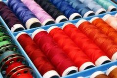 Acessórios para a máquina de costura Fotografia de Stock Royalty Free