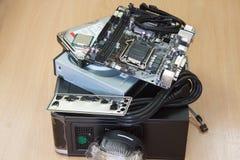 Acessórios para o conjunto do computador pessoal no desktop Fotos de Stock