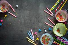 Acessórios para o cozimento do feriado e do aniversário Foto de Stock