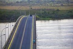 Acess från Iguape till Ilha Comprida Arkivfoton