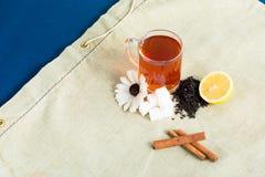 Acessories de la taza de té fijados imagen de archivo libre de regalías