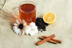 Acessories de la taza de té fijados Fotos de archivo
