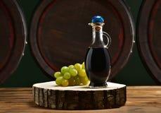 Aceto balsamico con botti Stock Photos