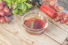 Aceto del vino rosso immagini stock