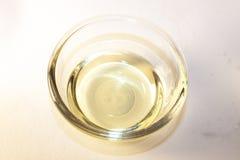 Aceto di vino bianco immagini stock libere da diritti