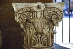 Achado Archaeological Parte superior Capitello de um Etrusc antigo Foto de Stock Royalty Free