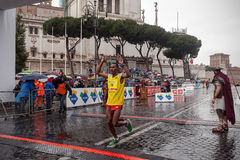Achame Addis Birhanu, crosses the finish line Stock Photos