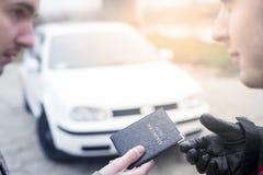 Achat d'un véhicule Image libre de droits