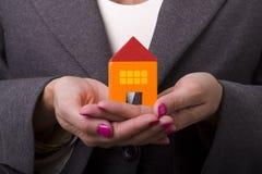 Achat d'une nouvelle maison images stock