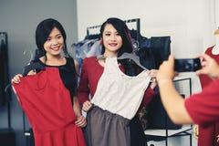achat de robes Images stock