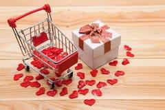 Achat en ligne pour le concept de Valentine en hiver Images libres de droits