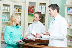 Achat médical de drogue de pharmacie photos libres de droits