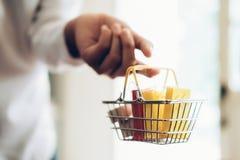Achats d'affaires et concept en ligne de la livraison Images stock