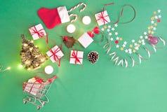 Achats de cadeau de Noël photos stock