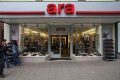 Achats de Vienne - chaussures d'Ara Photo stock